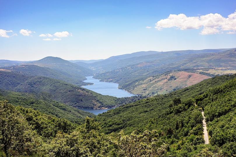 Casa-rural-Comarca-Valdeorras-embalse-Bibey